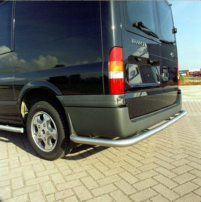 Rearbar RVS geborsteld Ford Transit tot 2014 doorlopend tot aan de wielkast uitvoering met trekhaak