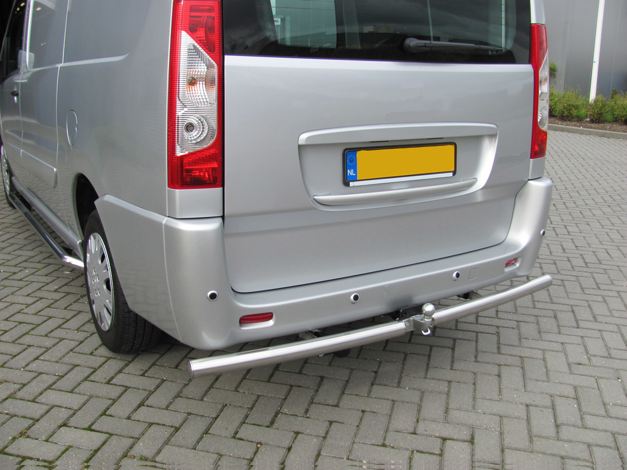 Rearbar RVS geborsteld Renault Trafic tot 2014 uitvoering met ALKO trekhaak