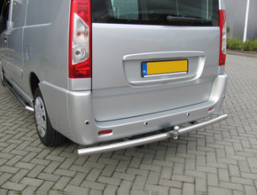 Renault Rearbar RVS geborsteld Renault Trafic vanaf 2014 uitvoering met Brink trekhaak