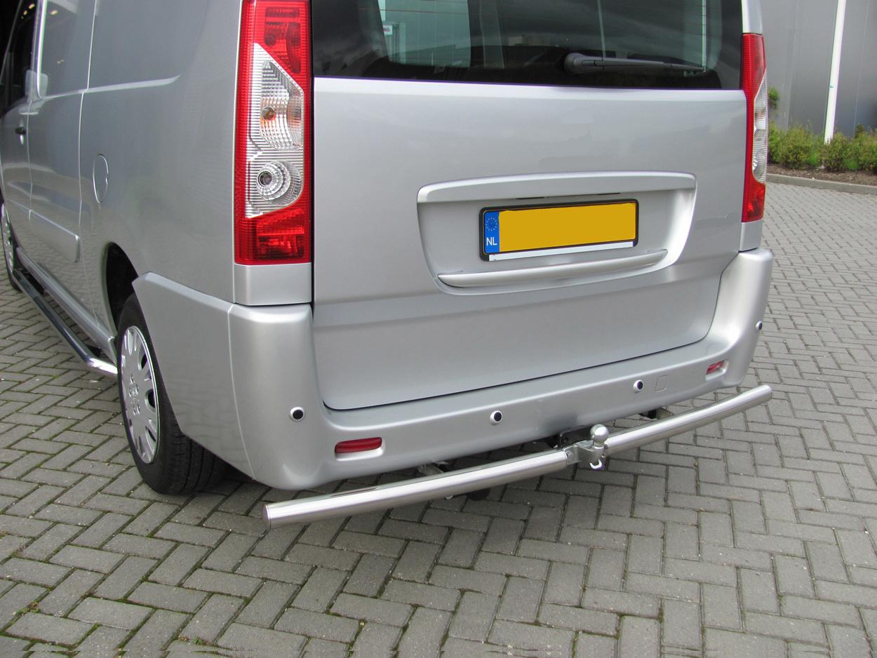 Rearbar RVS geborsteld Renault Trafic vanaf 2014 uitvoering met Brink trekhaak