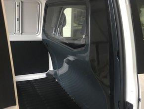 Tussenwand Volkswagen Caddy vanaf 2010 met ruit