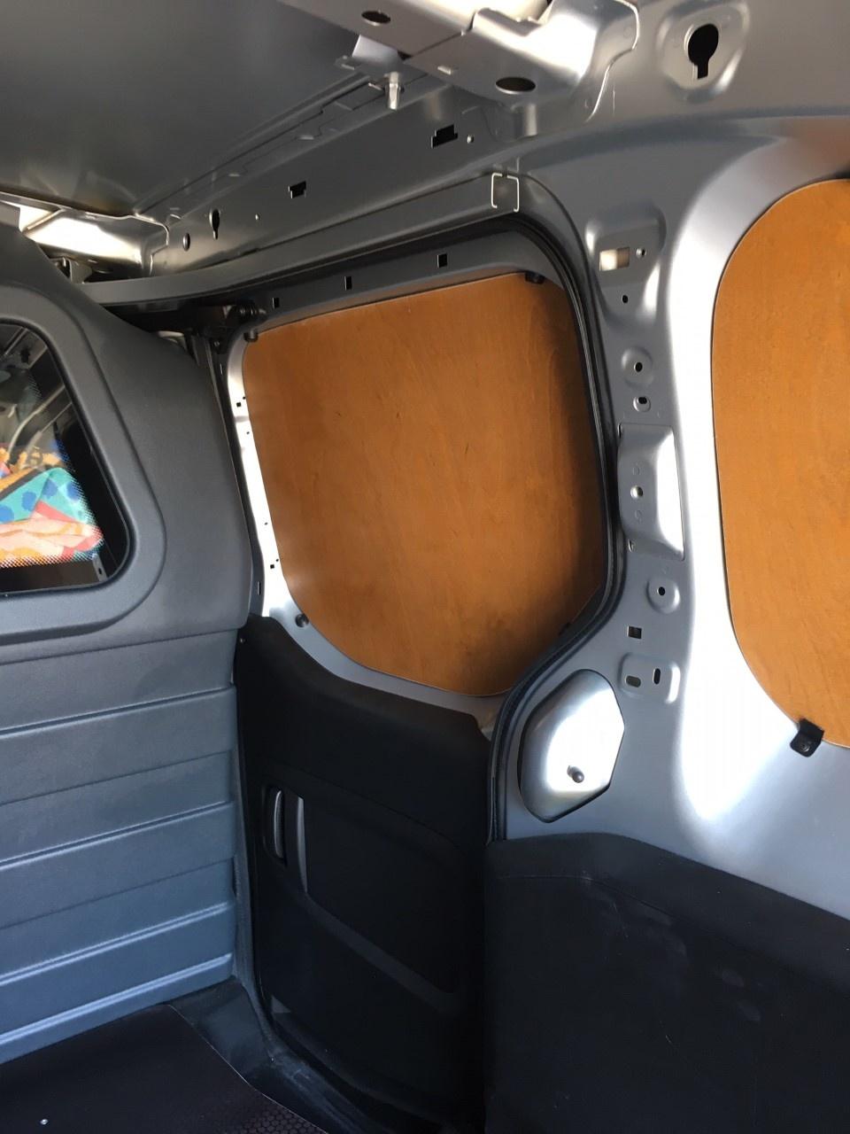 Wandbetimmering Peugeot Partnervanaf 2019 L1 uitvoering met enkele schuifdeur