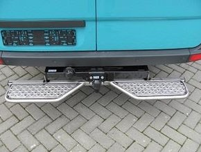 Opstaptrede Volkswagen Crafter vanaf 2017  links & rechts met Oris trekhaak
