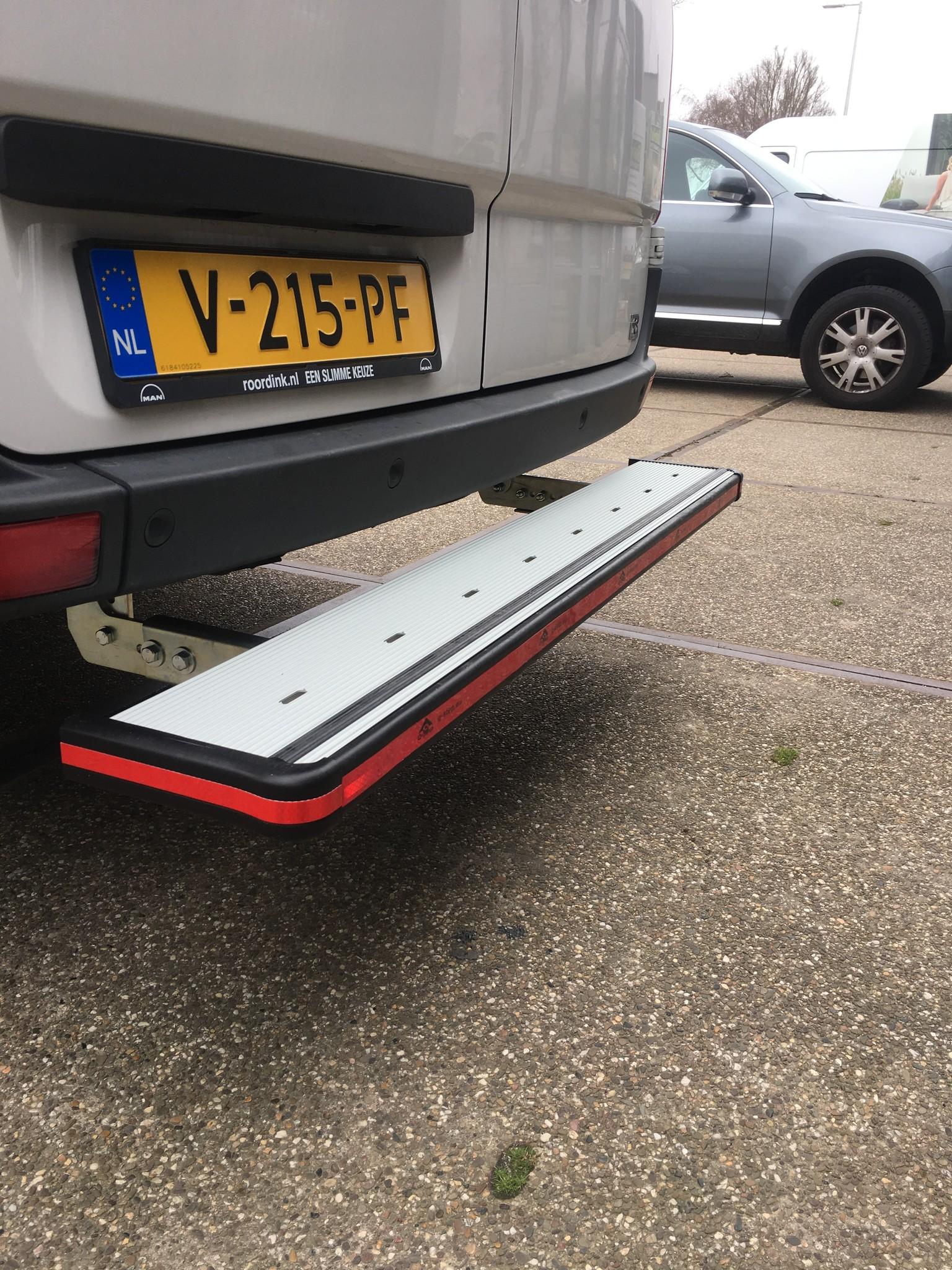 Aluminium opstaptrede Volkswagen Crafter vanaf 2017 zonder trekhaak TUV