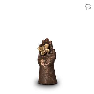 Geert Kunen UGK 006 A Ceramic urn bronze