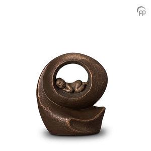 Geert Kunen UGK 007 A Ceramic urn bronze