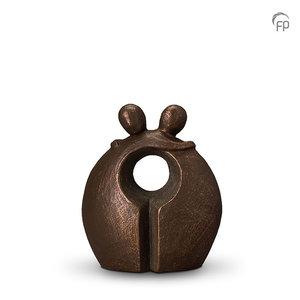 Geert Kunen UGK 014 A Ceramic urn bronze