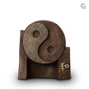 Geert Kunen UGK 047 A Ceramic urn bronze