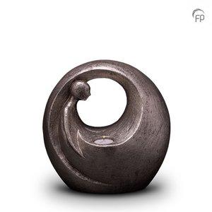 Geert Kunen UGKS 039 BT Ceramic urn silver