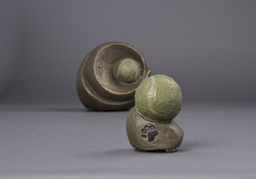 Pet urns by Geert Kunen