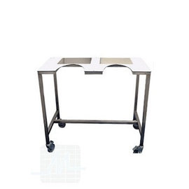 Scan table with wheels