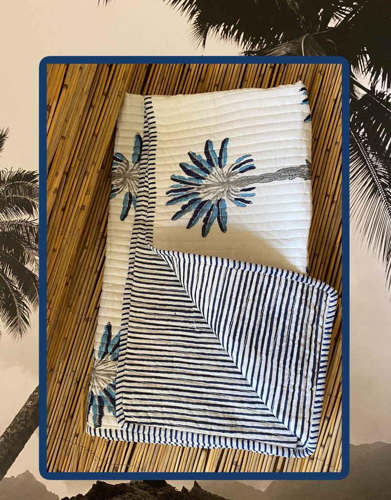 Palm baby cuddle blanket