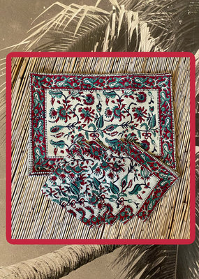 Bordeaux and green placemat set with napkins