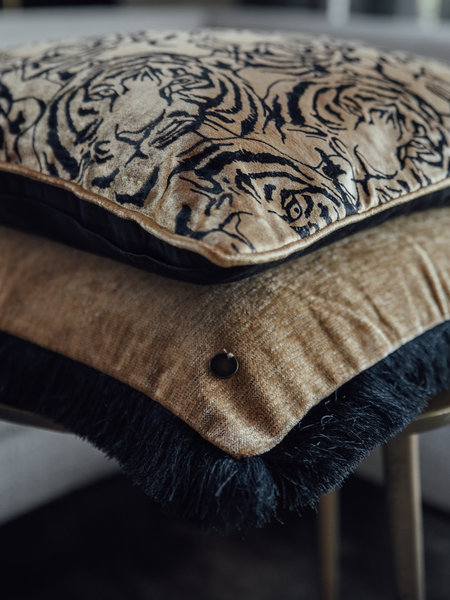 Home of textile Cushion Elegant Tiger