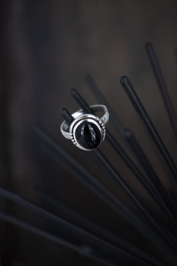 Big Stone Ring Black Oval