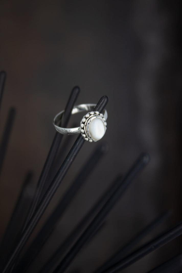 Stone Ring White Light