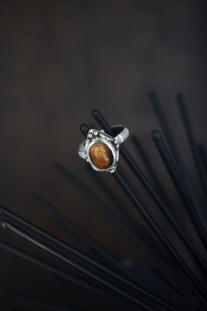 Stone Ring Hook Brown