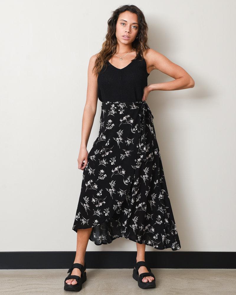 Mandy Wrap Skirt Black Flowers