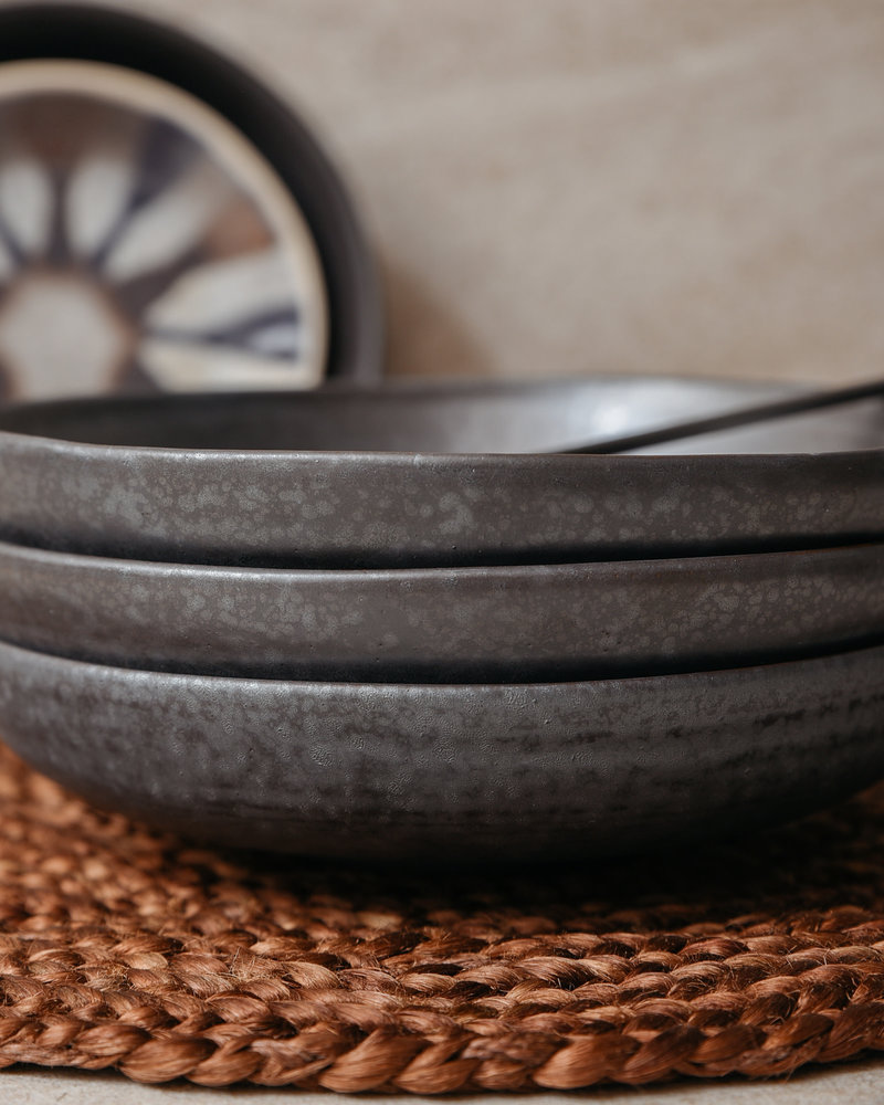 Shallow Bowl Pion Black