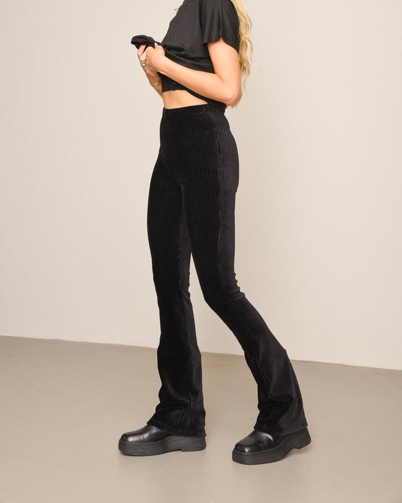 TILTIL Vivienne Velvet Rib Flared Black