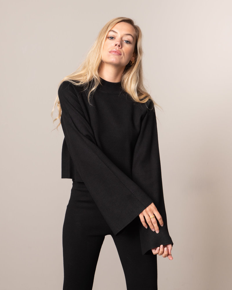 Cropped Lounge Sweater Black