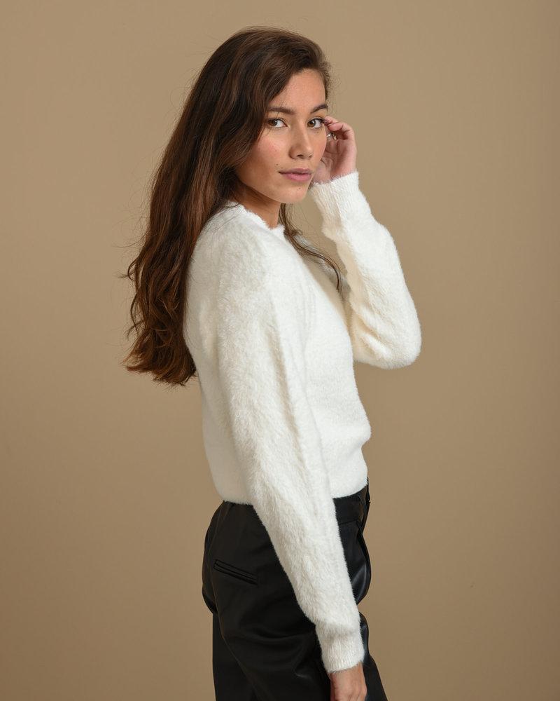 TILTIL Fluffy Sweater White