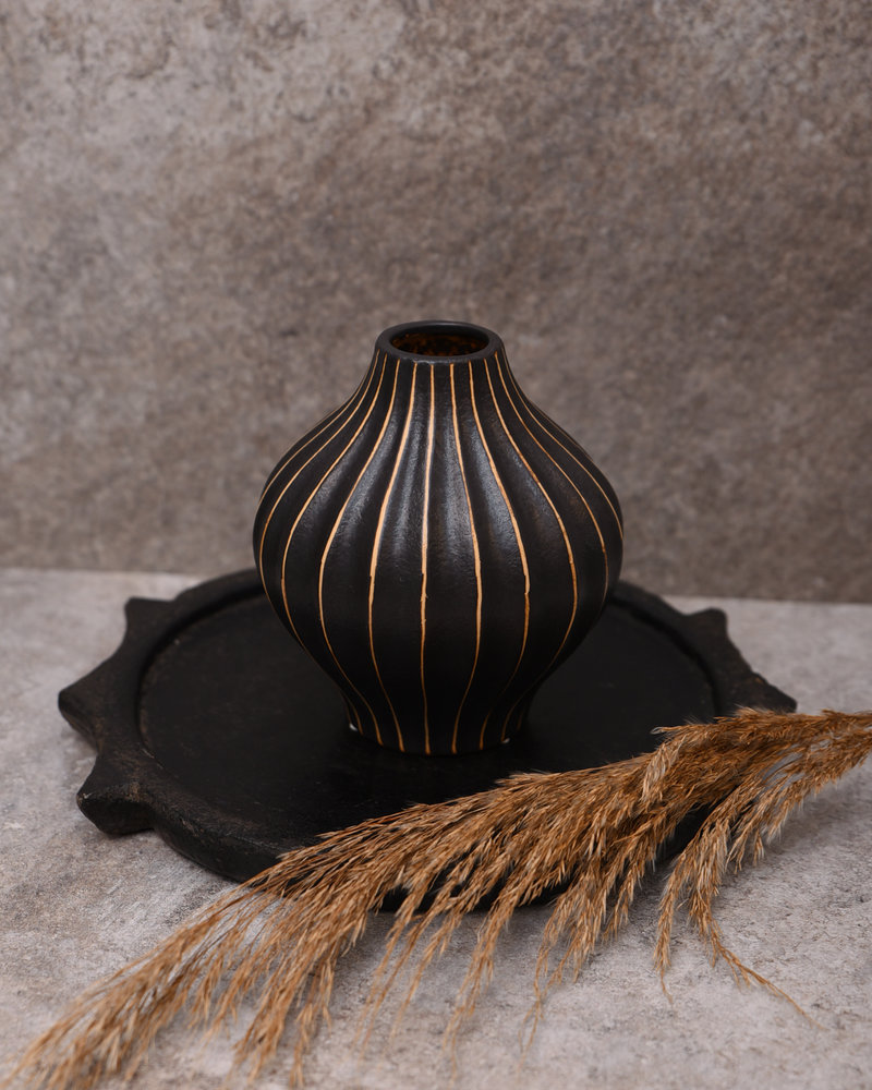 Black Vase With Lines