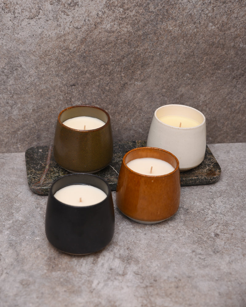 Fragrance Candle White Mulberry & Cedar