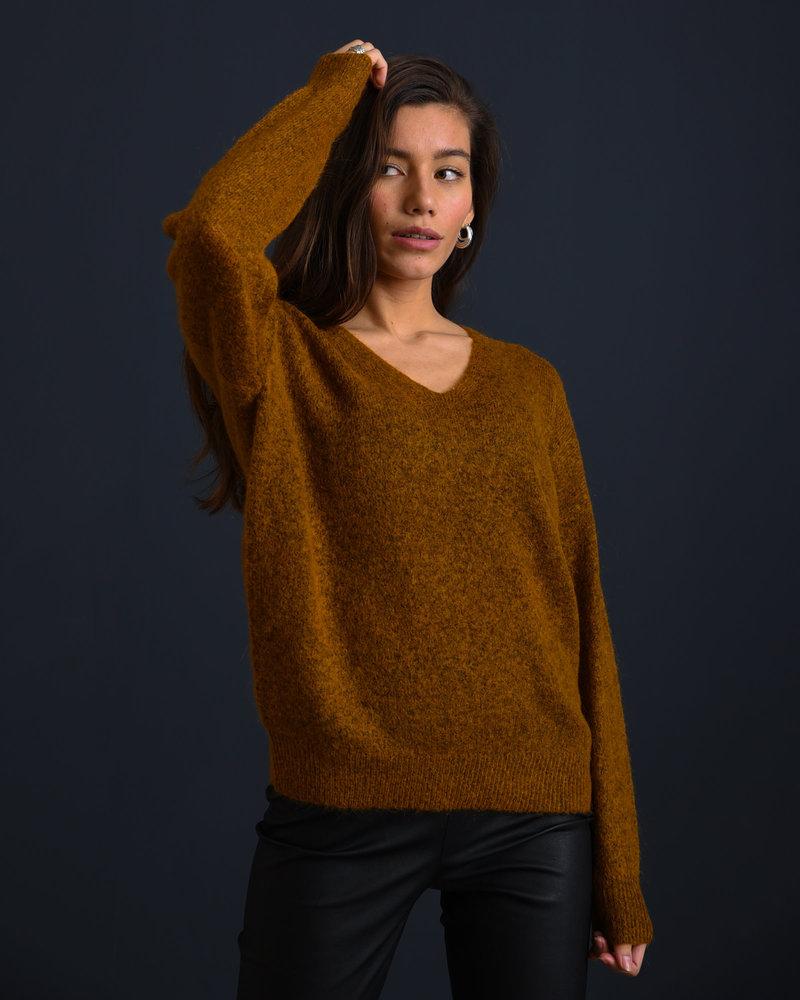 Femme Mohair V-Neck Pullover Cathay Spice
