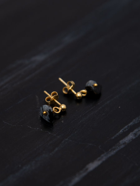 Ess Yello Black Stone Stud