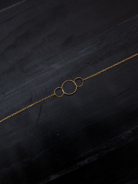 Ess Yello Triple Circle Necklace Gold