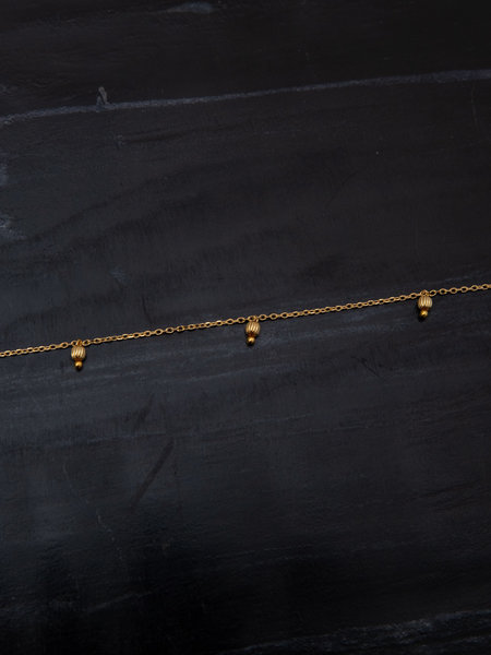 Ess Yello Necklace Gold Three Beads