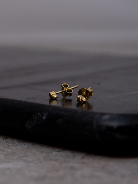 Flawed Champagne Dot Studs Gold