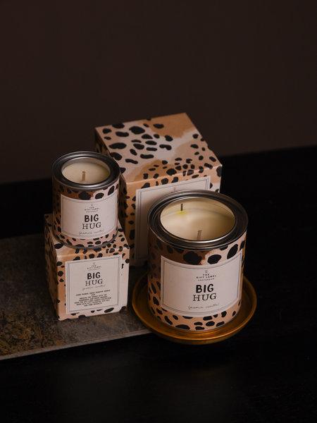 The Giftlabel Big Hug Candle Jasmin Vanilla