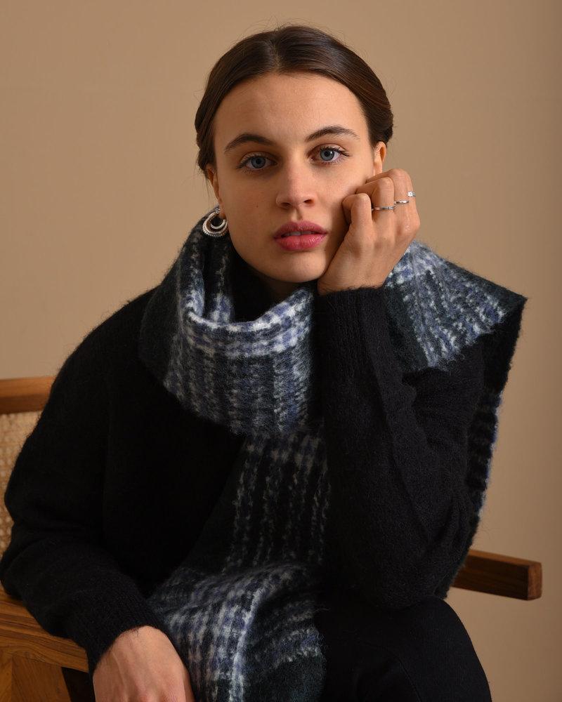 Noela Scarf Black Cap