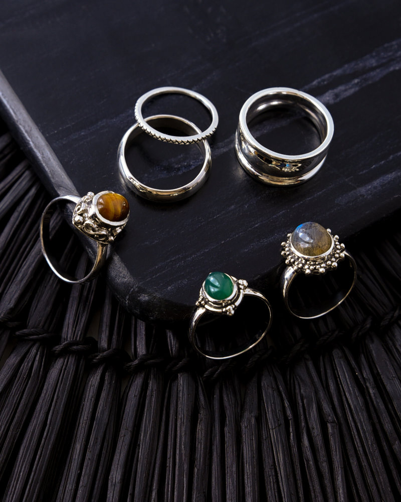 Stone Ring Green Two Dots
