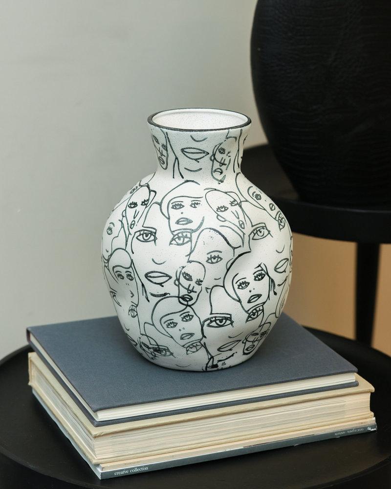 Vase White Faces