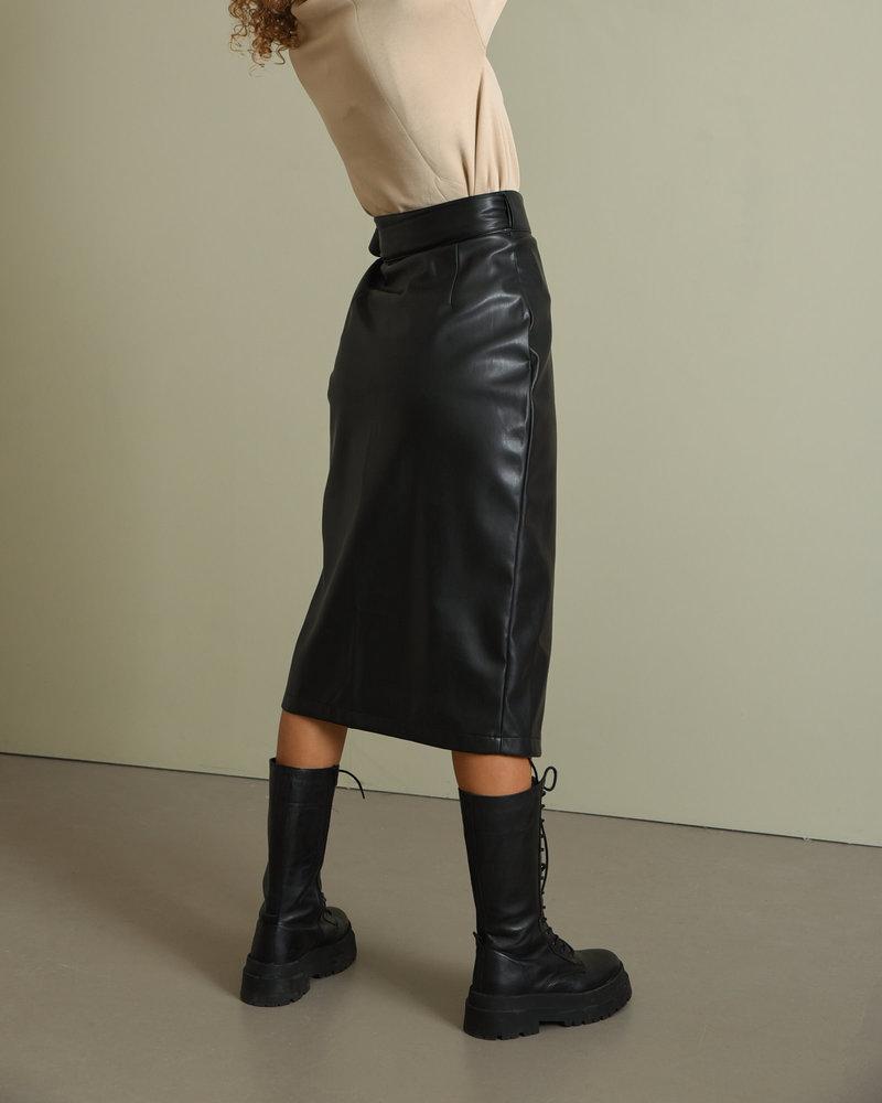 Petra Pu Skirt Black