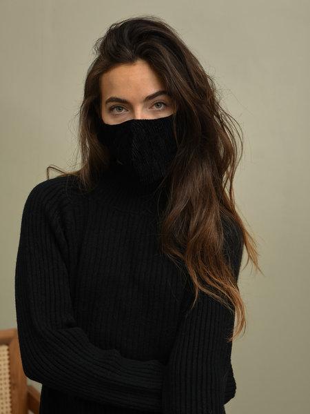 Things I Like Things I Love TILTIL Velours Face Mask Black