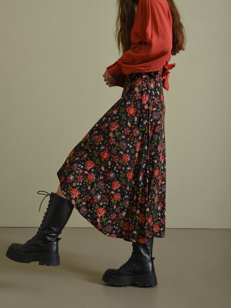 Things I Like Things I Love TILTIL Mandy Wrap Skirt Red/Black Flowers