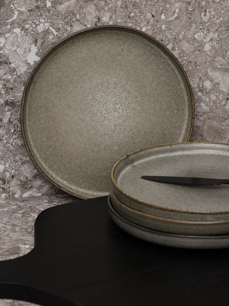 Breakfast Plate Matte Grey