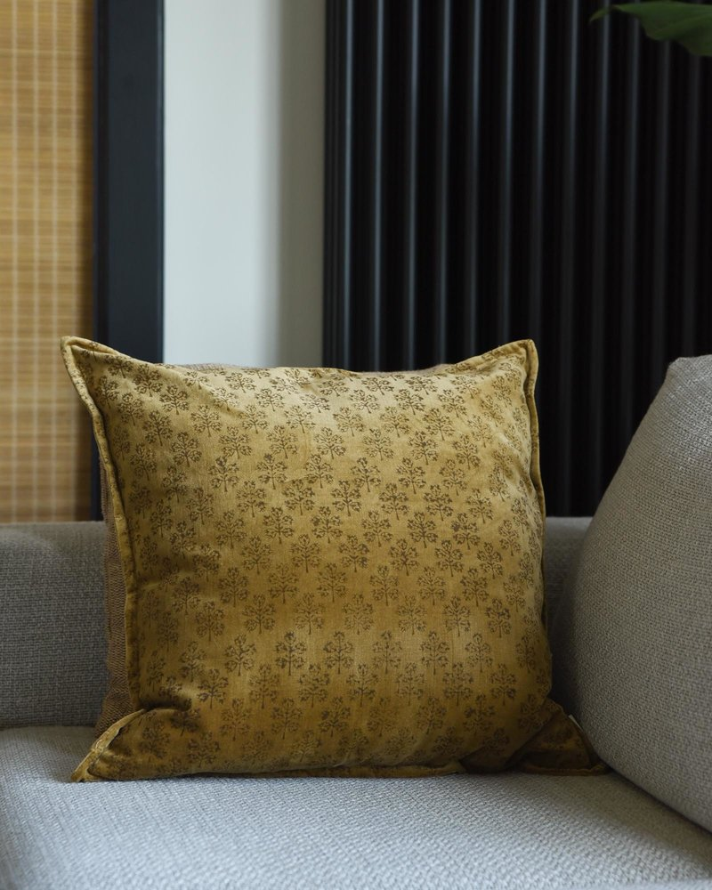 Cushion Velvet Mustard