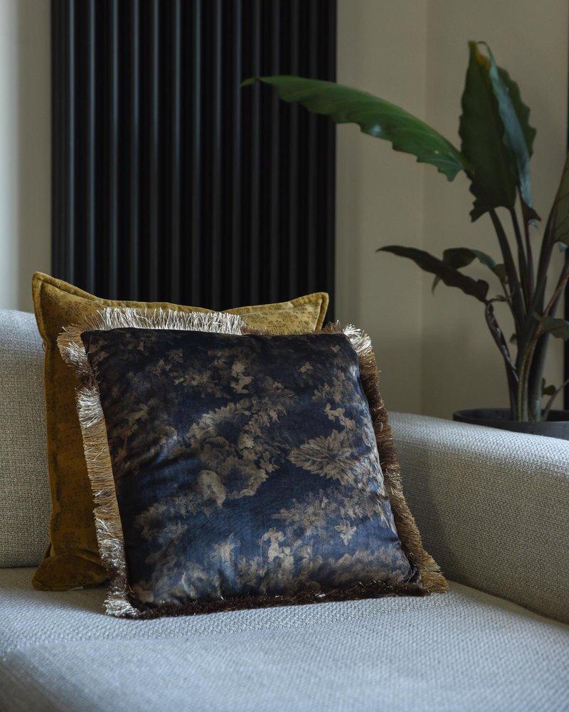Cushion Flowers Black