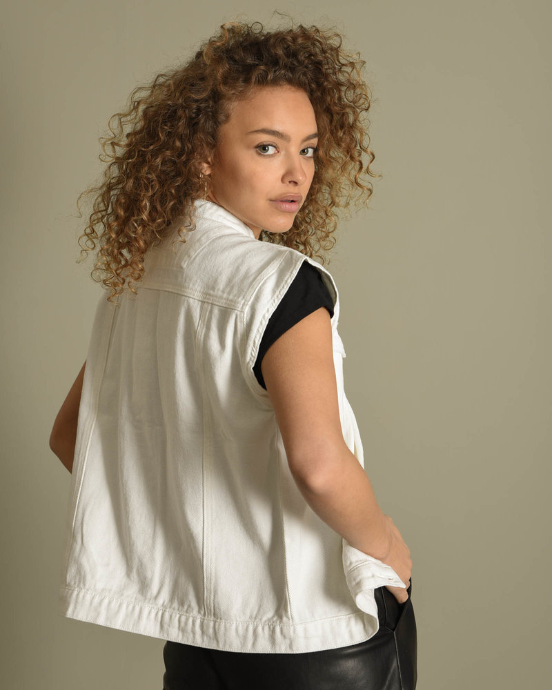 Naomi Vest White