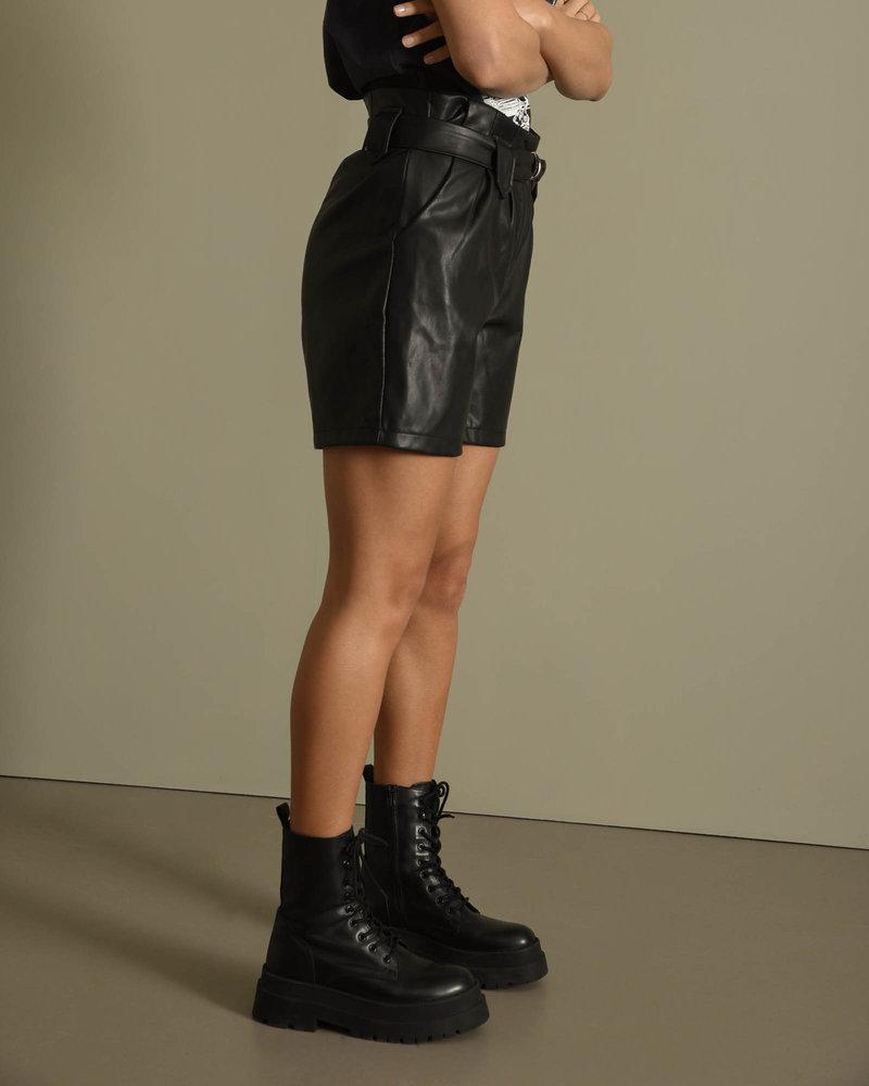 Milla Short Black
