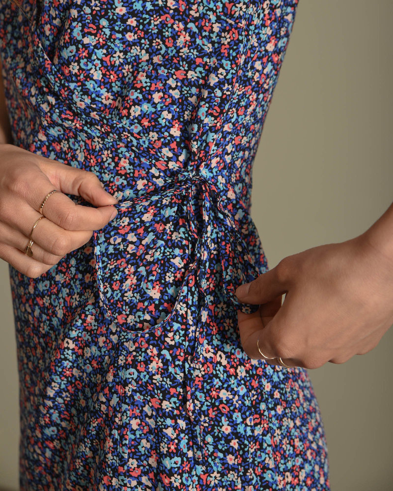 Asta Wrap-Over Short Dress Black Flower Dubbary