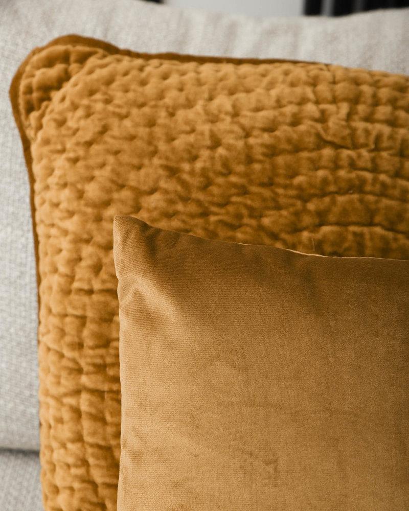Cushion Circle Velvet Gold