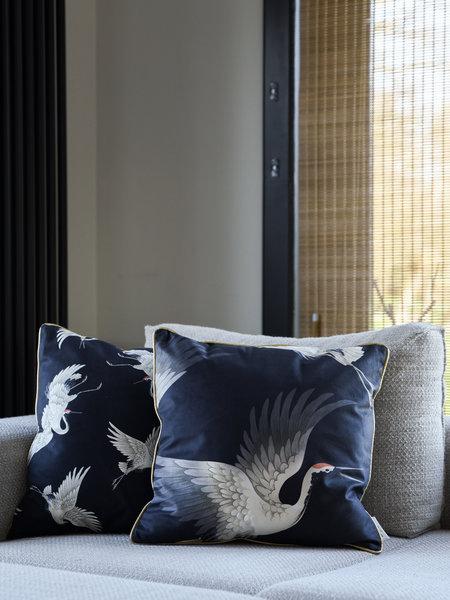 Cushion Crane Velvet Black