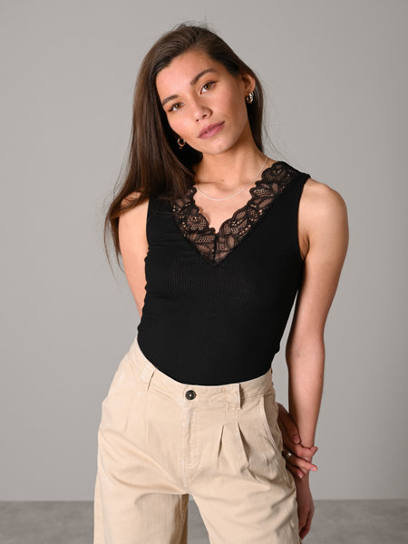 YAS Elle Lace Top Black