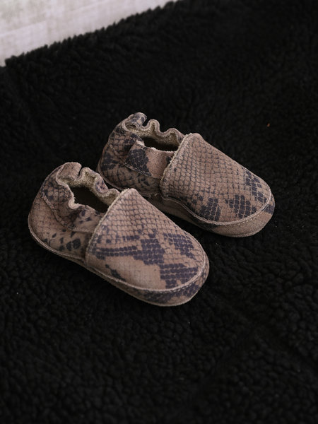 Melton Baby Suede Slipper Snake Taupe